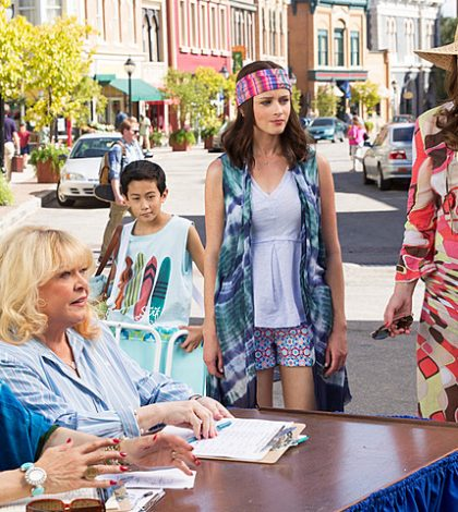 Netflix Announces Premiere Dates for Gilmore Girls, Black Mirror and More